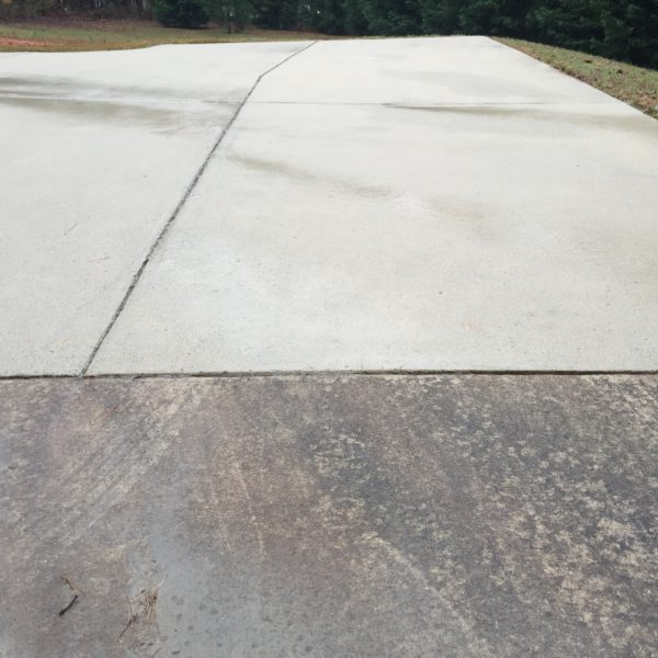 Concrete Driveway Before and after Power washing